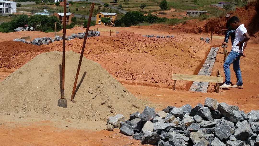 Avancement de la construction du premier bâtiment de Village Vert